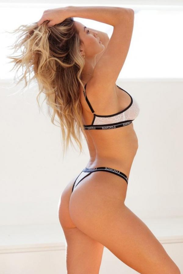 Madi Edwards Sexy Topless Photos 131