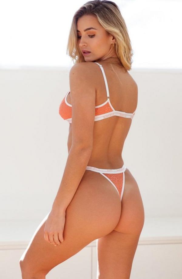 Madi Edwards Sexy Topless Photos 139