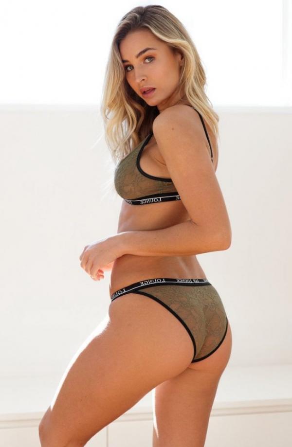 Madi Edwards Sexy Topless Photos 140