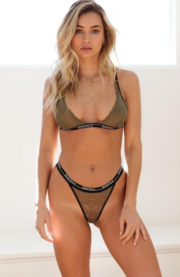 Madi Edwards Sexy Topless Photos 143