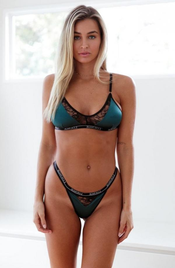 Madi Edwards Sexy Topless Photos 159