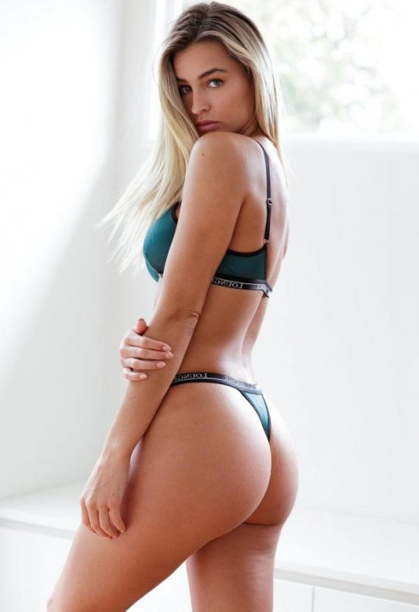 Madi Edwards Sexy Topless Photos 160