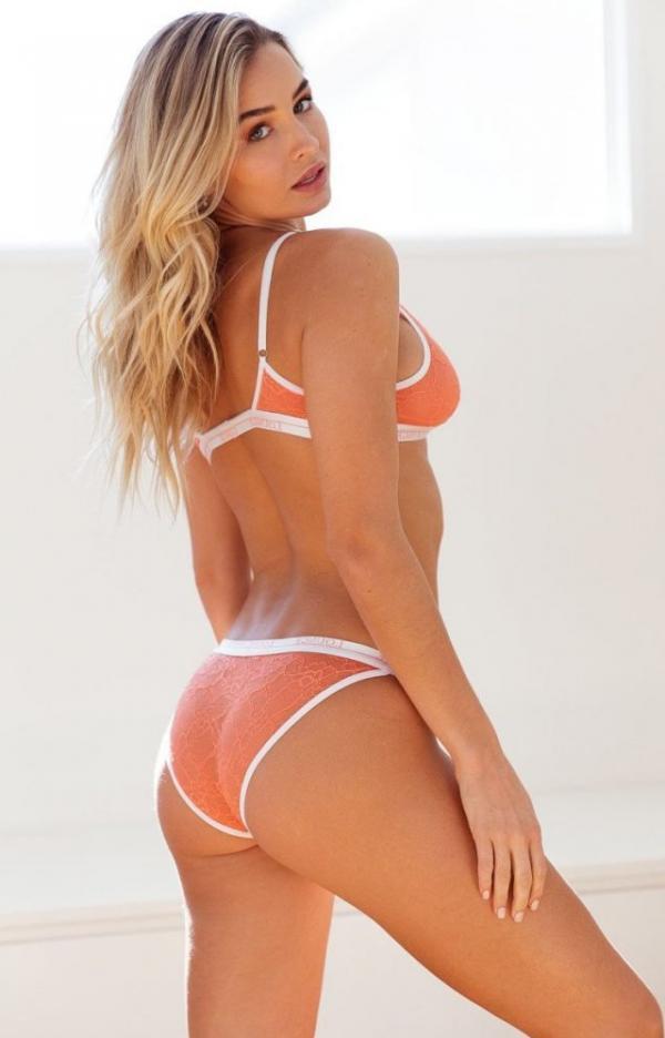Madi Edwards Sexy Topless Photos 163