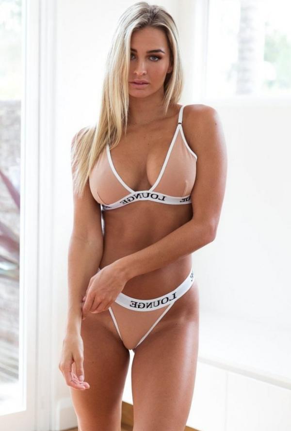 Madi Edwards Sexy Topless Photos 167