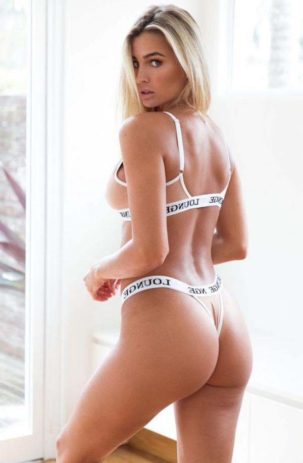 Madi Edwards Sexy Topless Photos 168
