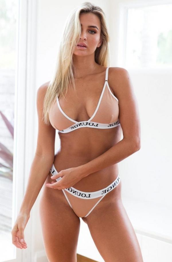 Madi Edwards Sexy Topless Photos 171