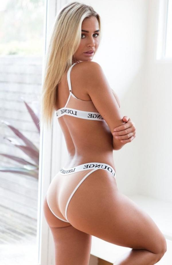 Madi Edwards Sexy Topless Photos 172