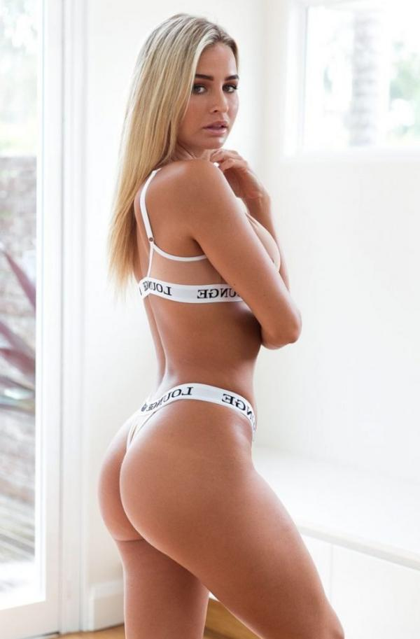 Madi Edwards Sexy Topless Photos 174