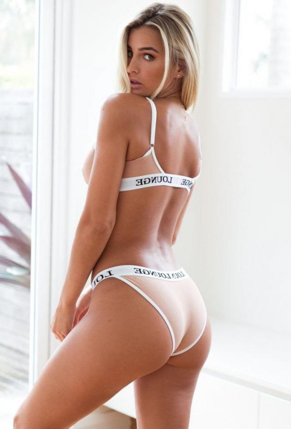 Madi Edwards Sexy Topless Photos 176