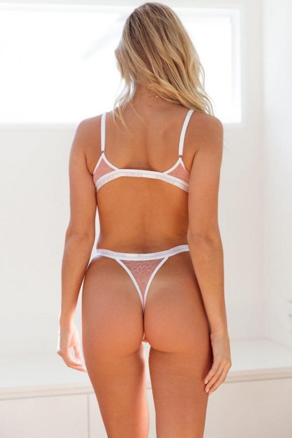 Madi Edwards Sexy Topless Photos 184