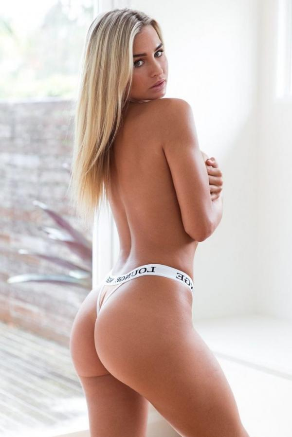 Madi Edwards Sexy Topless Photos 193
