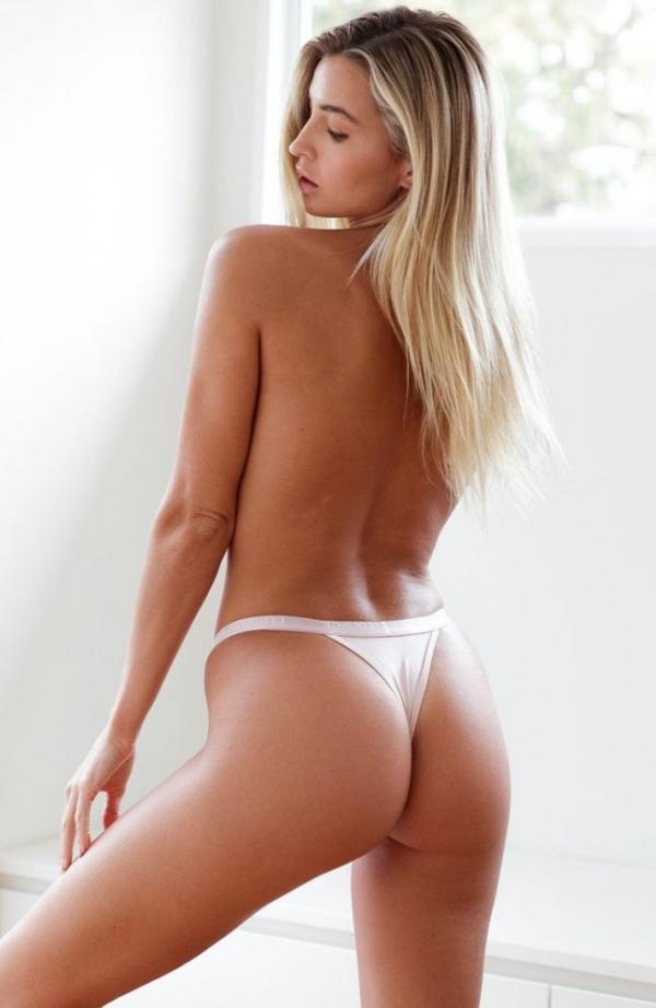 Madi Edwards Sexy Topless Photos 203