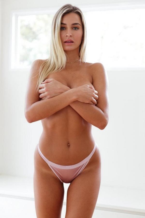Madi Edwards Sexy Topless Photos 204