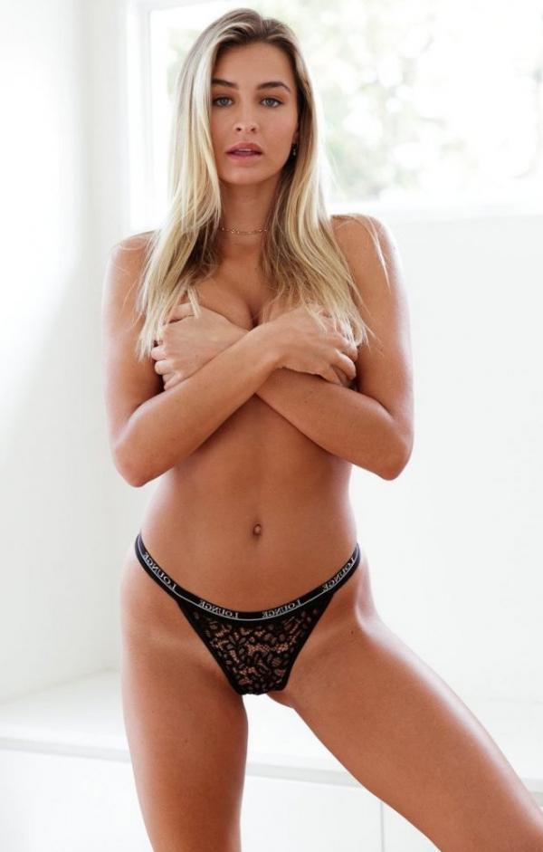 Madi Edwards Sexy Topless Photos 207
