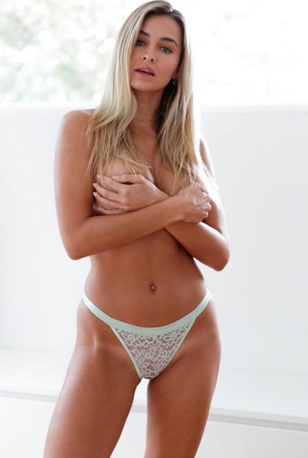 Madi Edwards Sexy Topless Photos 215