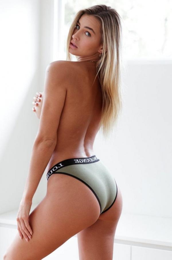 Madi Edwards Sexy Topless Photos 41