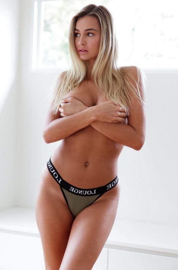 Madi Edwards Sexy Topless Photos 43