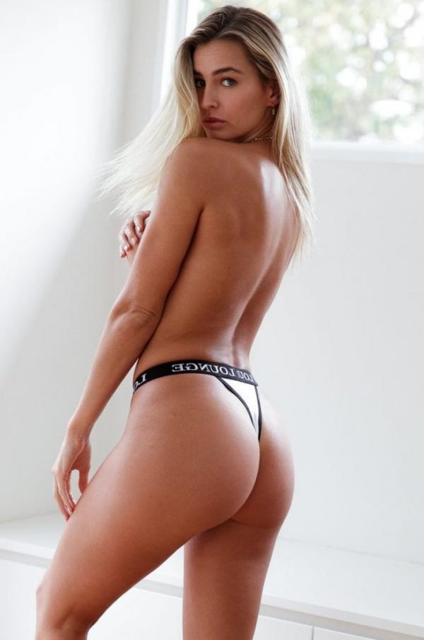 Madi Edwards Sexy Topless Photos 83