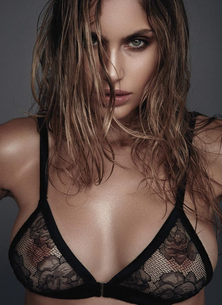 Maja Krag Topless Sexy 4
