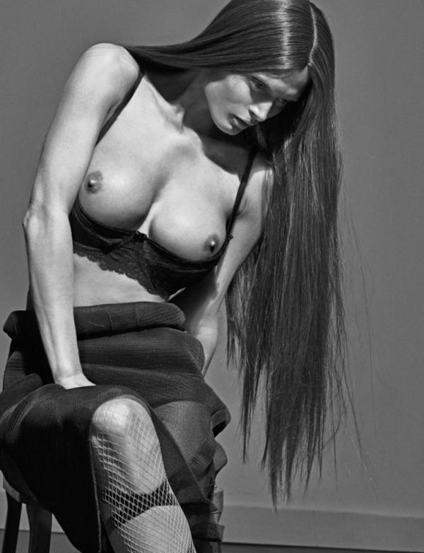 Malgosia Bela Naked Photos 1