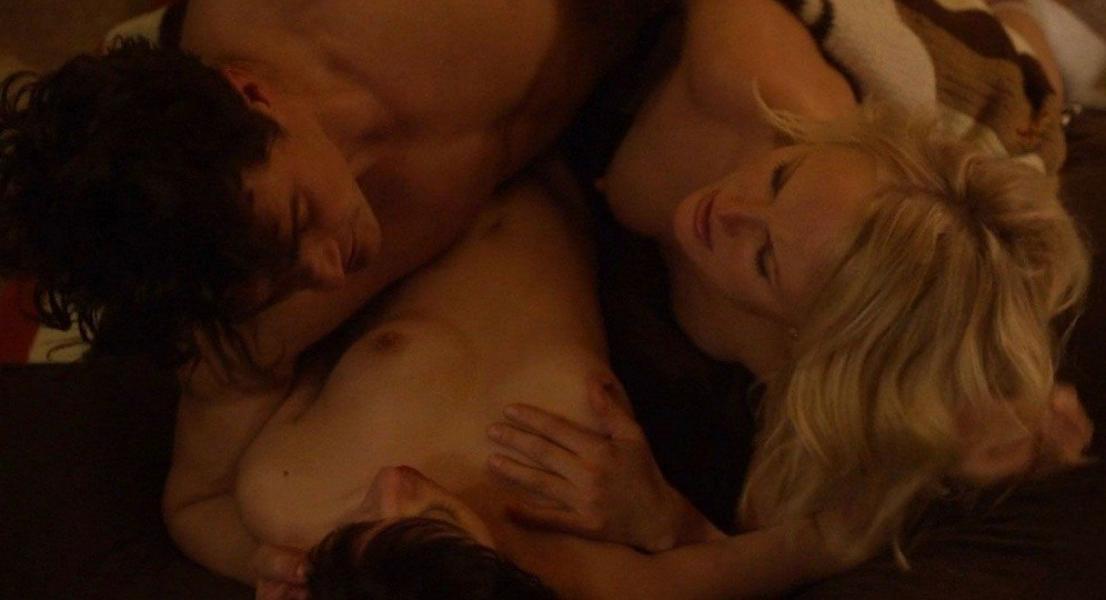 Malin Akerman Kate Micucci Nude Easy 1