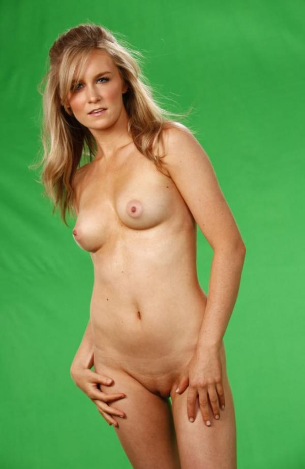 Malorie Mackey Naked 11
