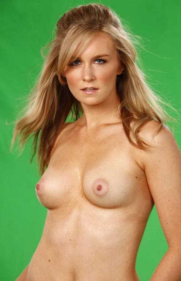 Malorie Mackey Naked 14
