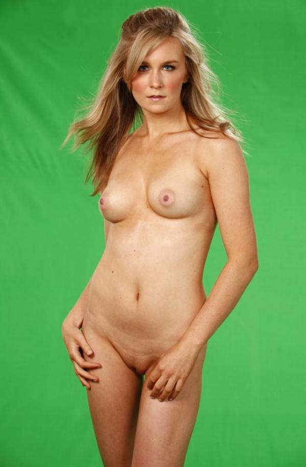 Malorie Mackey Naked 16