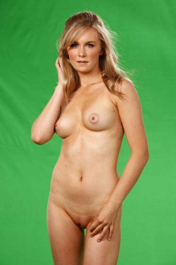 Malorie Mackey Naked 3