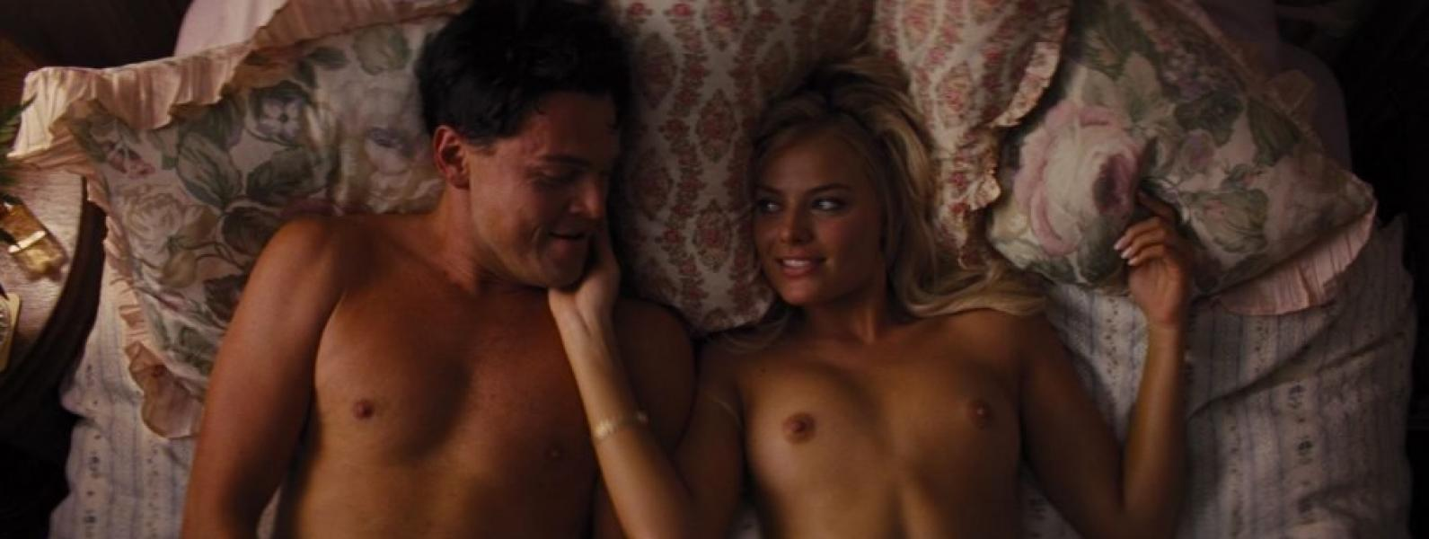 Margot Robbie Nude and Sexy 8