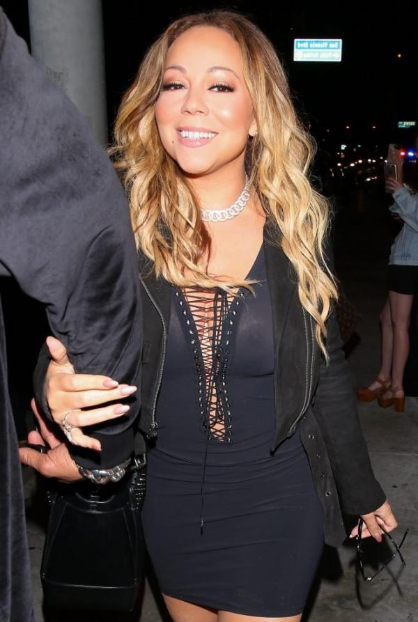 Mariah Carey Braless 17