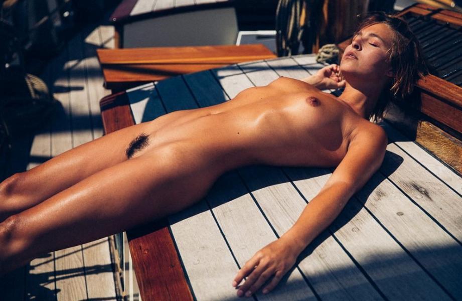 Marisa Papen Naked 1