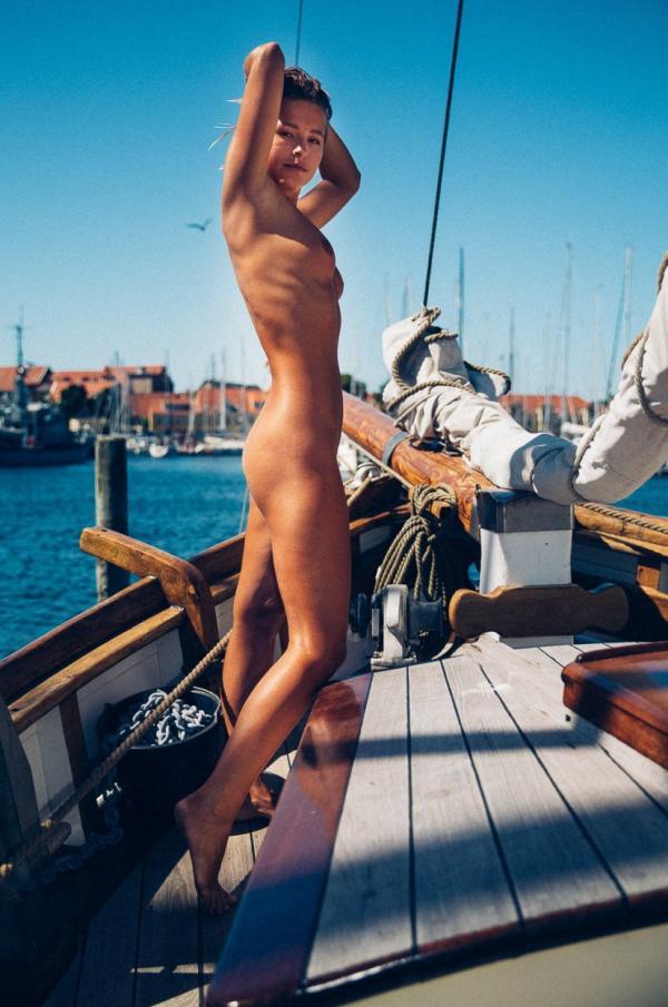 Marisa Papen Naked 12