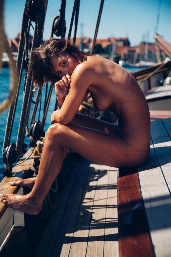 Marisa Papen Naked 13
