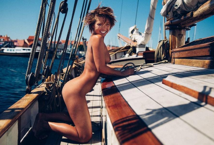 Marisa Papen Naked 14