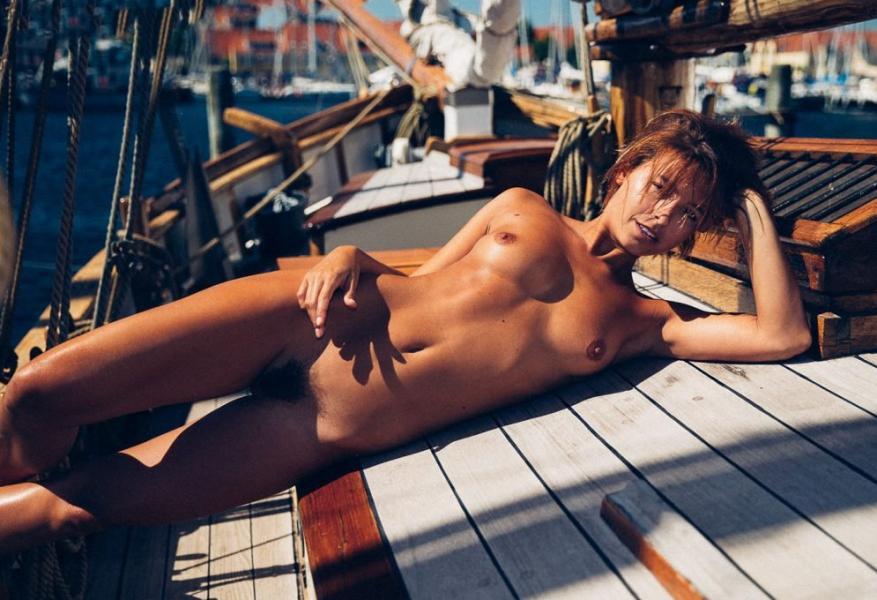 Marisa Papen Naked 16