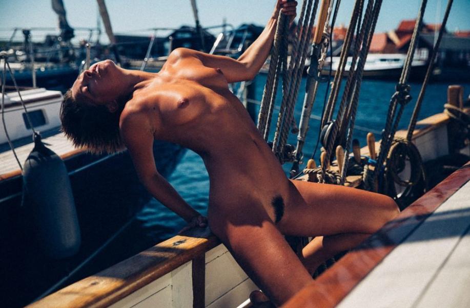 Marisa Papen Naked 20