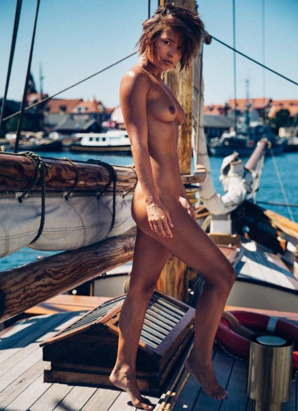 Marisa Papen Naked 9