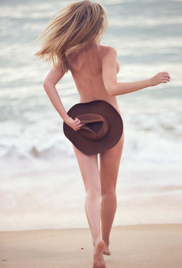 Marloes Horst Nude and Sexy 10