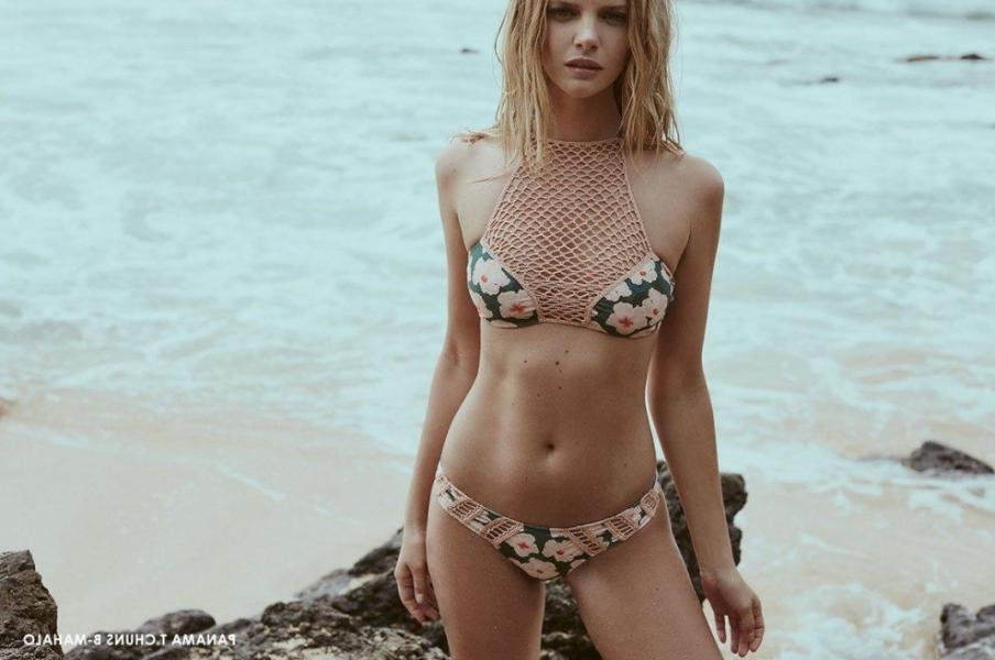 Marloes Horst Sexy and Topless 45